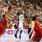 JR Holden hitting a jumper at the 2007 EuroBasket - Photo by FIBA Europe