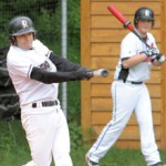 Travis Gaug gets the Regensburg offense going with a home run in the first inning against Neufahrn - Photo by Hubert Ott