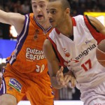 Hungarian Adam Hunga drives to the basket in action for Manresa