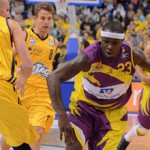 Phoenix Hagen's Larry Gordon (with ball) goes past Zach Morley of Alba Berlin