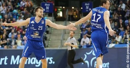 Danilo Barthel and Johannes Voigtmann remain a huge part of Fraport Skyliners this season though they haven't quite played at as high of a level as last season. An addition in the past week has been a big lift from 20-year-old Johannes Richter. Photo by bild-pressehaus.de