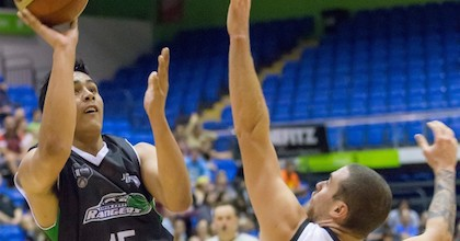 Tai Wynyard has had an amazing 2014. The 16-year-old could top it all off by helping New Zealand get to the 2015 FIBA U19 World Championship. Photo by Photosport