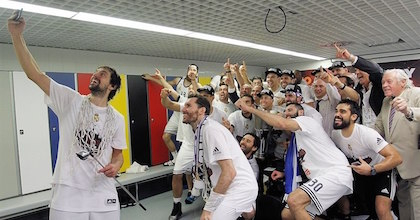 Sergio Llull takes the Turkish Airlines Euroleague Final Four championship selfie - Great showing by Real Madrid, worth of the title. Photo by Euroleague