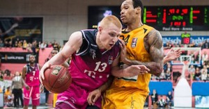Aaron White is having an excellent rookie season in the Beko BBL for Telekom Baskets Bonn. He's definitely improving his all-around game with hopes of making the Washington Wizards next season.