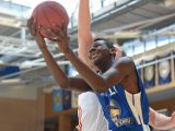 German 16-year-old talent Isaac Bonga drives to the basket in the pre-season for Fraport Skyliners. Photo: Fraport Skyliners