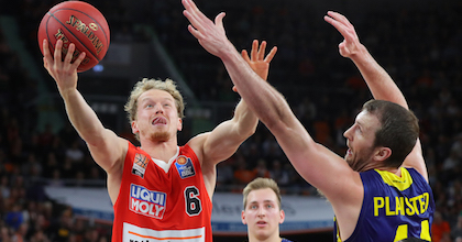 Per Günther playing against Phoenix Hagen in the easyCredit BBL - photo by ratiopharm ulm