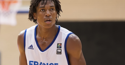 Yves Pons is a great athlete who offers breath-taking action on the court. Photo FIBA